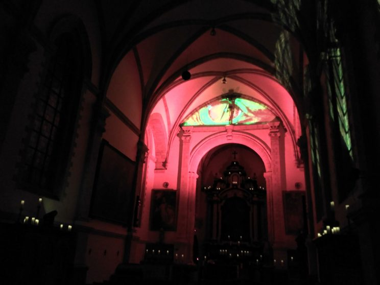 Dragon eye projection in Alden Biesen's church